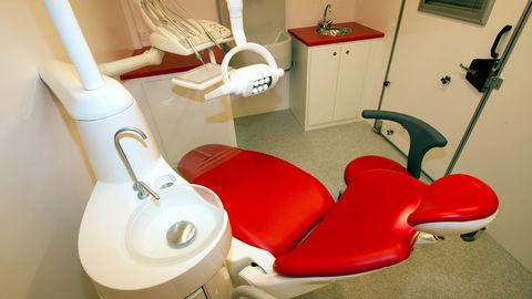63182-dentalclinic-truck2-4e56ce79