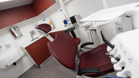 65097-dentalclinic1-39b74ef0