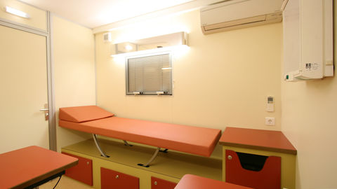 68281-mammography-examination-heavytruck-6eee4c60