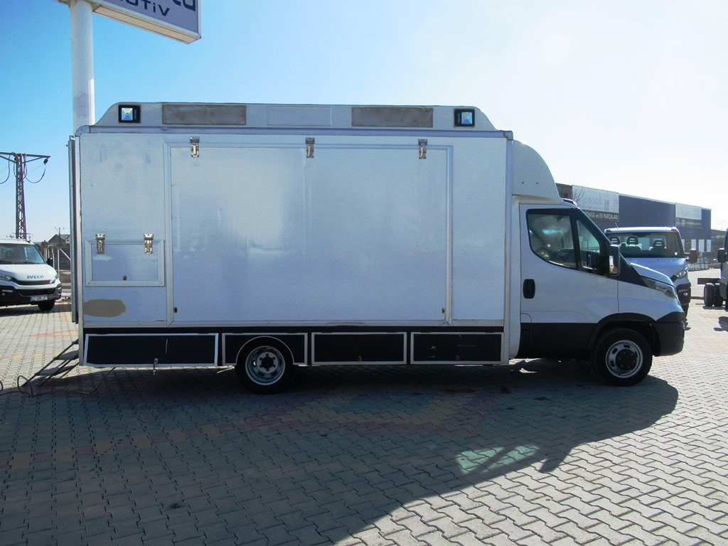 Mobil Clinic Laboratory from Enak (4)